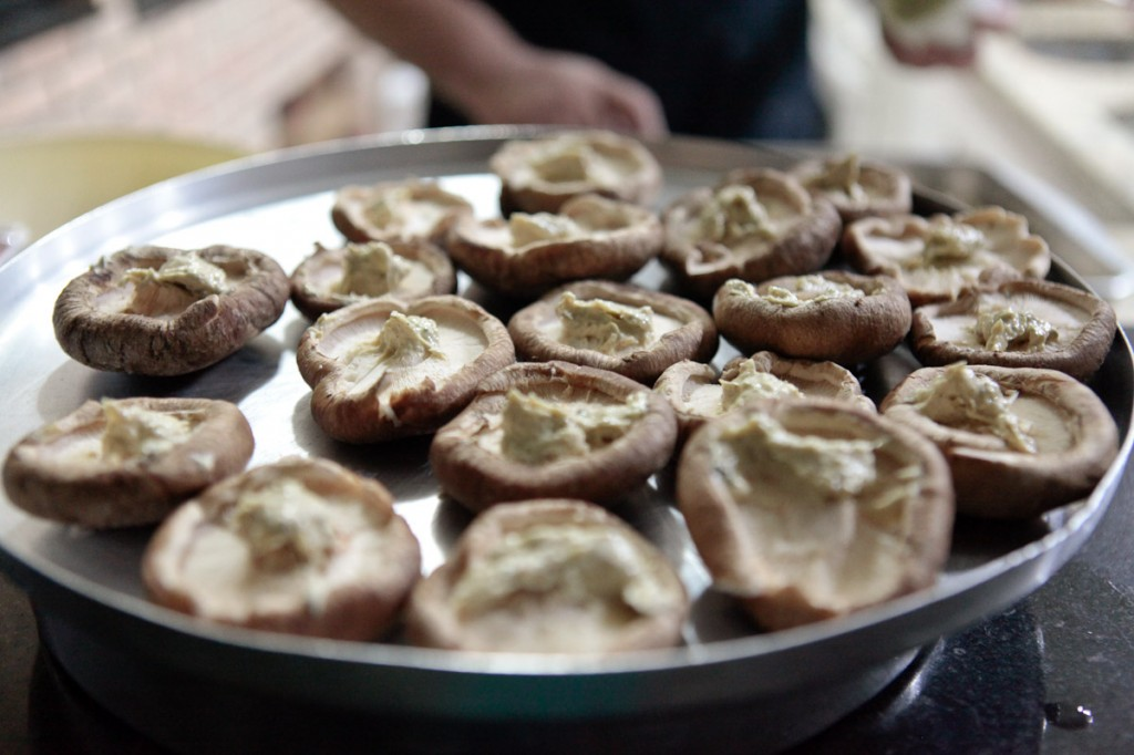 Cogumelos com manteiga de berinjela