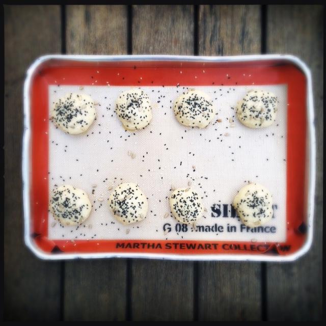 Bagel bomb – pãozinho com recheio bombástico de cream cheese