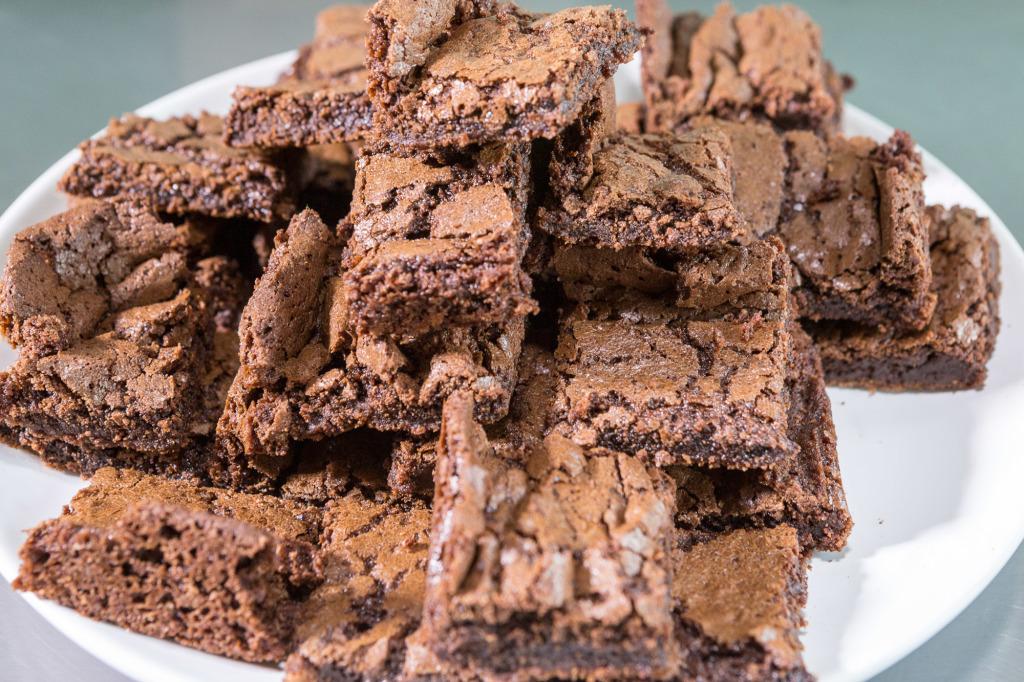 aprenda a fazer um brownie em menos de 2 minutos