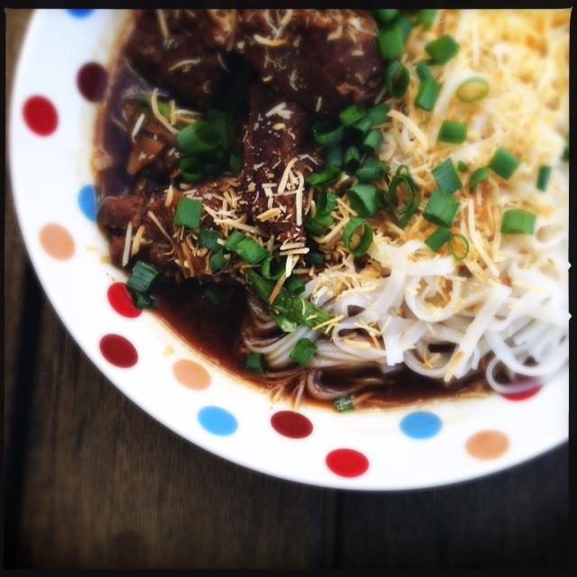 thai caldo com macarrão 7