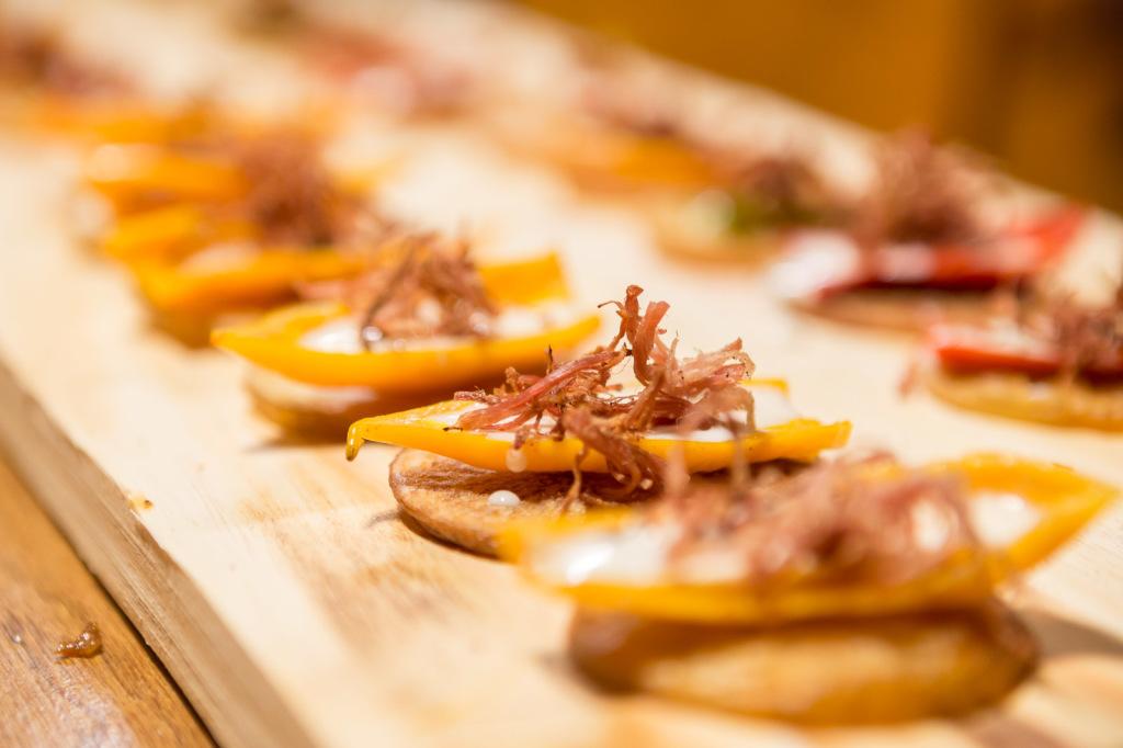 Aprenda a fazer uma entrada de pimenta  recheada em menos de dois minutos