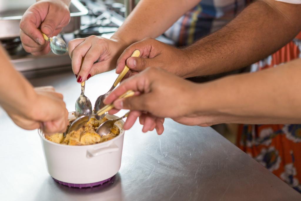 Aprenda a fazer uma pseudo rabanada assada em menos de 2 minutos