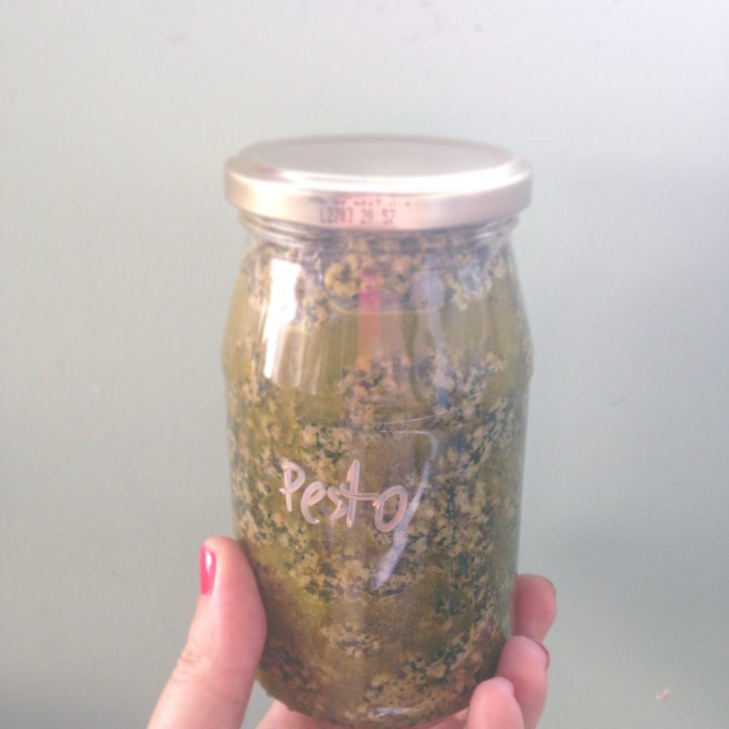 Pesto com manjericão da horta é muito amor