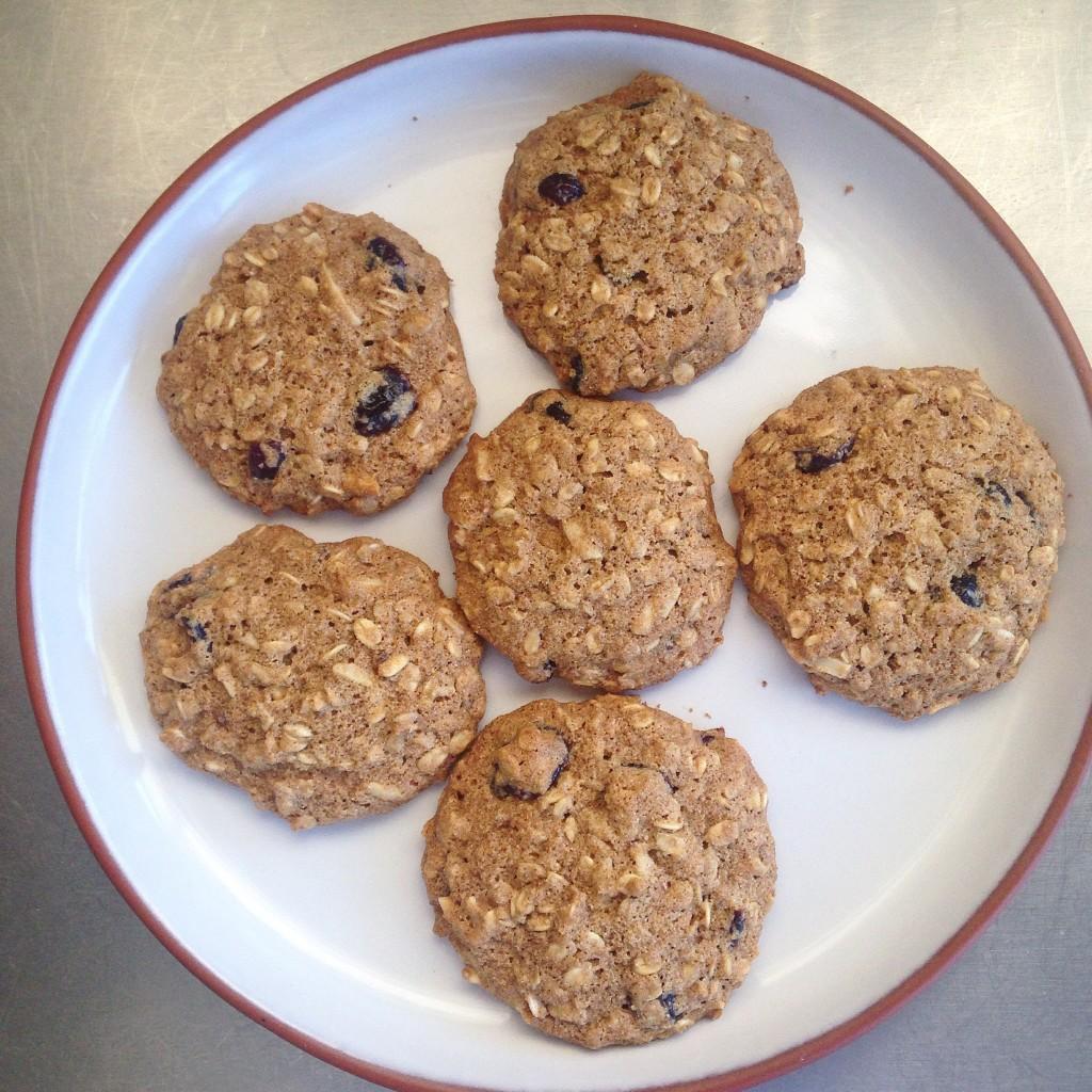 cookies de aveia, amêndoas e cranberry