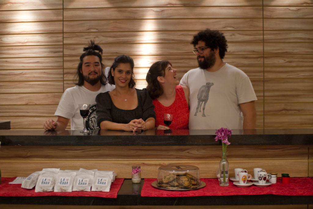 Fofuji + Renata + Mariana + Esdras - foto Ricardo Theodoro