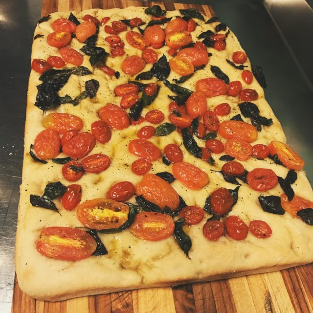 focaccia de tomate
