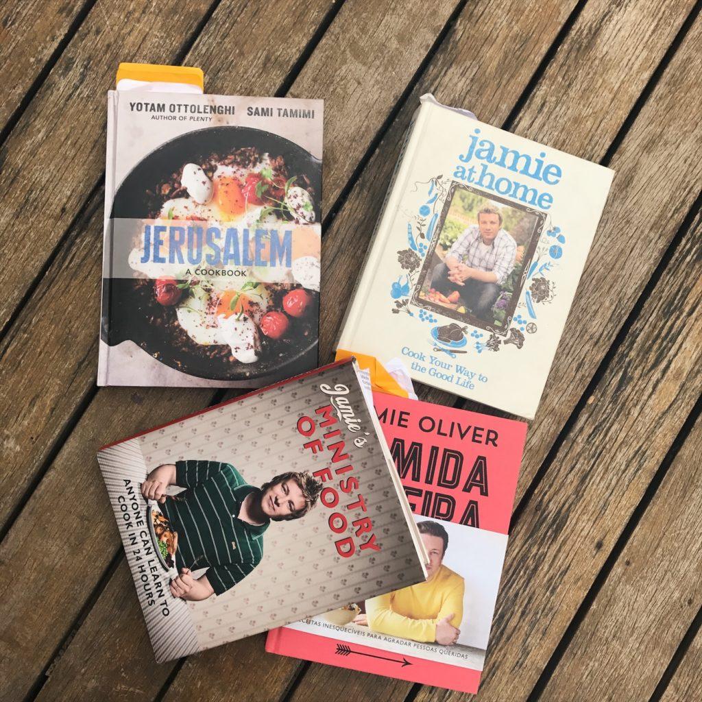 alguns dos nossos livros favoritos de receitas pro dia a dia