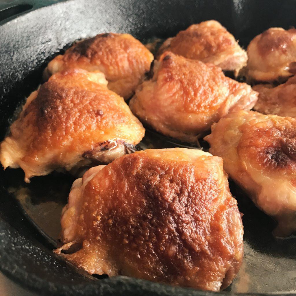 sobrecoxa de frango com missô e mel e muito capricho