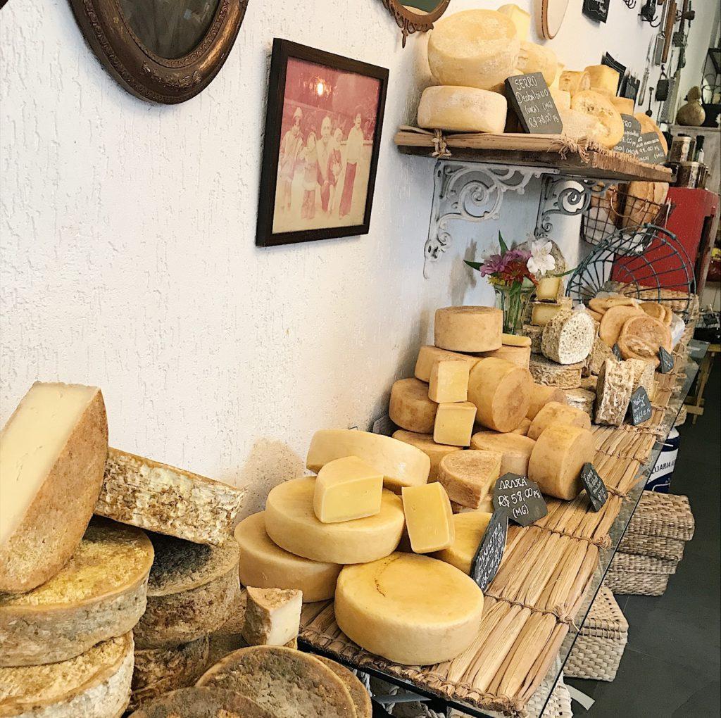 a queijaria - dá vontade de levar a loja inteira pra casa